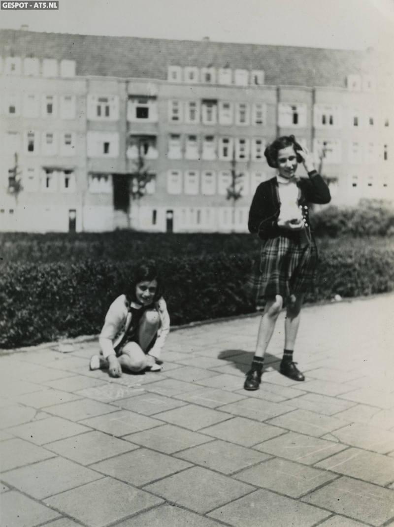 Anne Frank 19